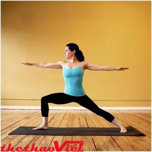 Tư thế chiến binh khi tập Yoga
