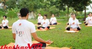 Sáng sớm hoặc tối muộn là hai thời điểm tập yoga tốt nhất