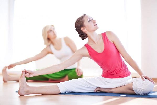 trang phục khi tập yoga