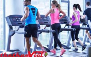 Luyện tập với máy chạy bộ giảm cân cho cả nam và nữ