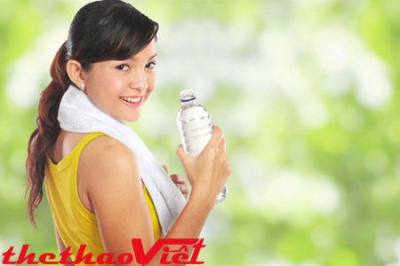 Cấp nước đầy đủ để cơ thể luôn khỏe mạnh, tập luyện hiệu quả