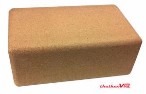 Gạch tập chất liệu gỗ có ưu điểm là độ bền cao nhưng lại có khối lượng lớn