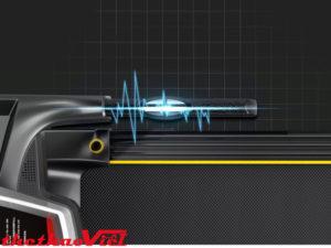 Tay cầm tích hợp cảm biến đo nhịp tim và nút điều chỉnh tốc độ