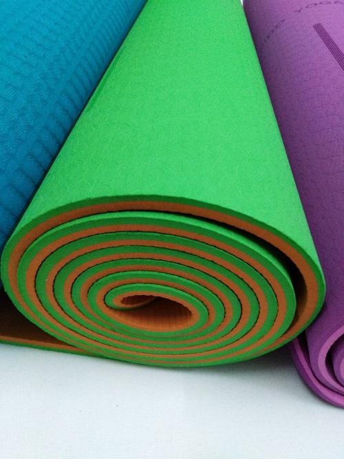 Thảm yoga định tuyến Pido