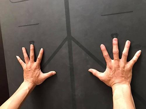 hướng dẫn dùng thảm yoga định tuyến