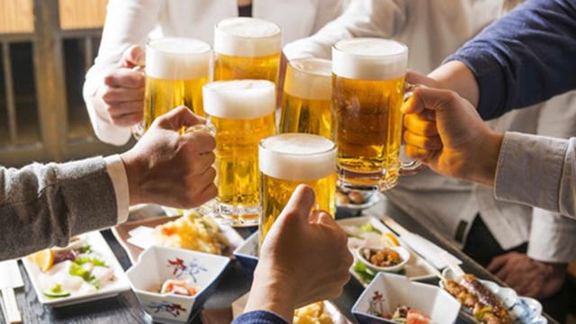 Sử dụng rượu bia nhiều làm tăng tỷ lệ xuất hiện mỡ bụng dưới