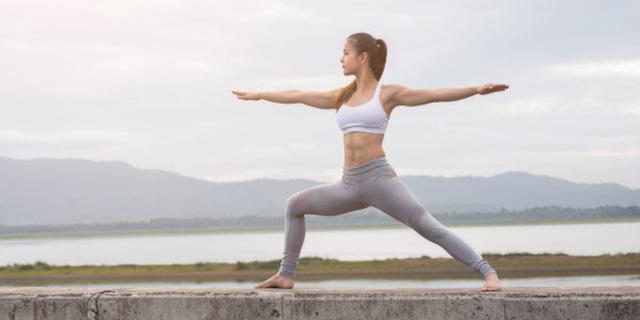 yoga-core-tu-the-2